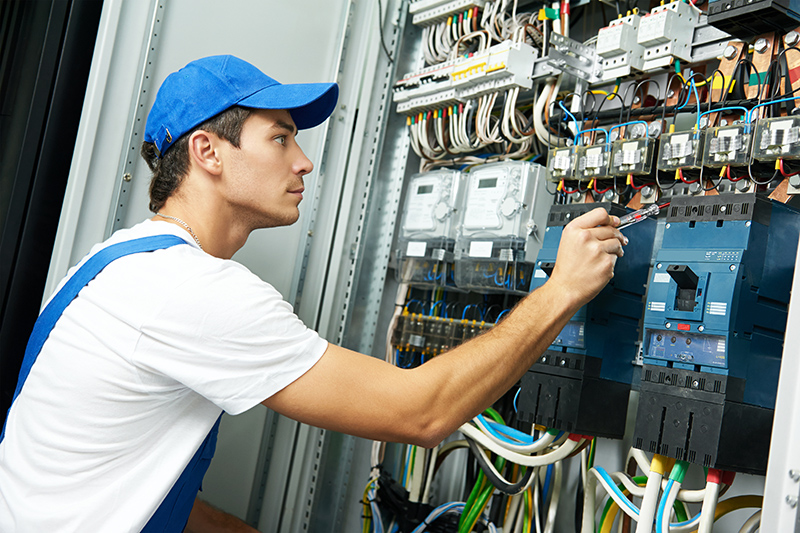 Domestic Electrician in Warwick Warwickshire