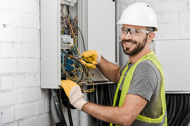 Local Electricians Near Me in Warwick Warwickshire